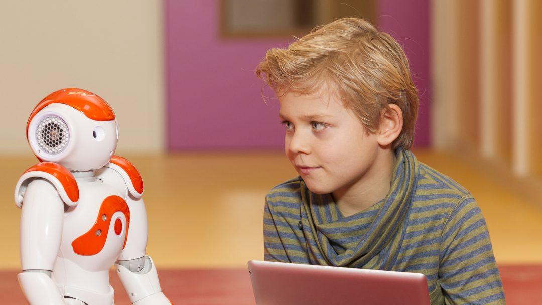 Robot met kind